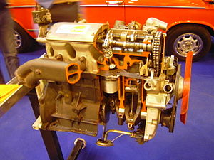 BMW M10 - BMW M10 engine inside