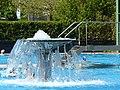 Bad Sassendorf – Kurpark - Fontaine im Sole-Freibad - panoramio.jpg