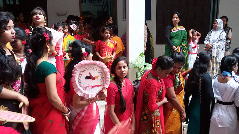 File:Bangladeshi students celebrating Pohela Boishakh (17152698105).jpg
