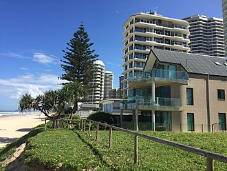 Main Beach, Queensland - Foreshore beach houses, 2015