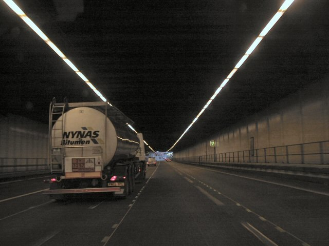 Bell Common Tunnel - geograph.org.uk - 53233