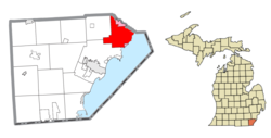 Location within Monroe County (red) and the administered villages of Estral Beach and South Rockwood (pink)