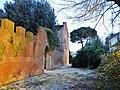 Beside Museo Nazionale di Villa Guinigi - panoramio.jpg