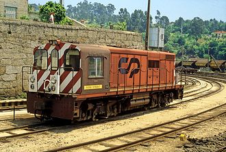 Tâmega line - A locomotive of Série 9020, at Livração station in May 1996
