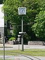 Bielefeld Adenauerplatz Normaluhr.jpg