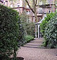 Bina Gardens, London - geograph.org.uk - 1853910.jpg