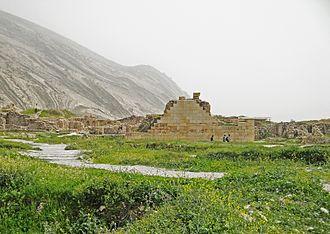 Muslim conquest of Pars - Ruins of a Zoroastrian temple in Bishapur