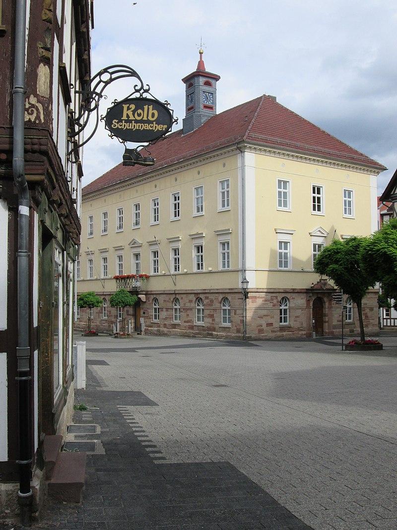 Blick zum neuen Rathaus - Eschwege Obermarkt - panoramio.jpg