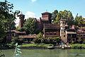 Borgo medioevale di Torino visto dal Po.jpg