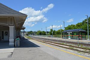 Bradford GO Station - Image: Bradford GO Station 0495