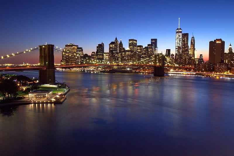 Brooklyn Bridge, Downtown Manhattan, and One World Trade Center, blue hour (20222411585).jpg