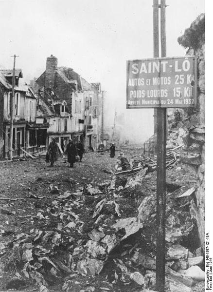 File:Bundesarchiv Bild 146-1987-121-19A, Frankreich, St. Lô, Zerstörungen.jpg