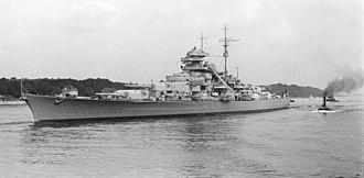 German battleship Bismarck - Image: Bundesarchiv Bild 193 04 1 26, Schlachtschiff Bismarck