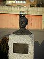 Busto de Miguel Hernández, Vallecas.jpg