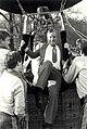 CIOS - 35 jarig jubileum, demonstratie hete luchtballon. Staatssecretaris Dhr. vd Reyden. Geschonken in 1986 door fotograaf C. de Boer. Identificatienummer 54-015735, NL-HlmNHA 54015735.JPG