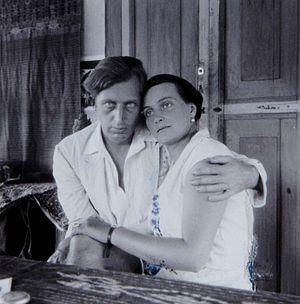 Nederlands: Foto. Walter Spies en Angelica Arc...