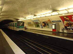 Campo Formio (Paris Métro) - Image: Campo Formio ramedepart