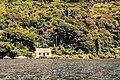 Casa simples na beira da Lagoa da Conceição.jpg