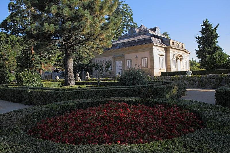 File:Casita del Infante o de Arriba (3) San Lorenzo de El Escorial.jpg