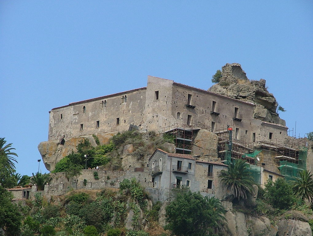 Castiglione di Sicilia Italy  city photos : Castello di Lauria Castiglione di Sicilia Wikimedia Commons