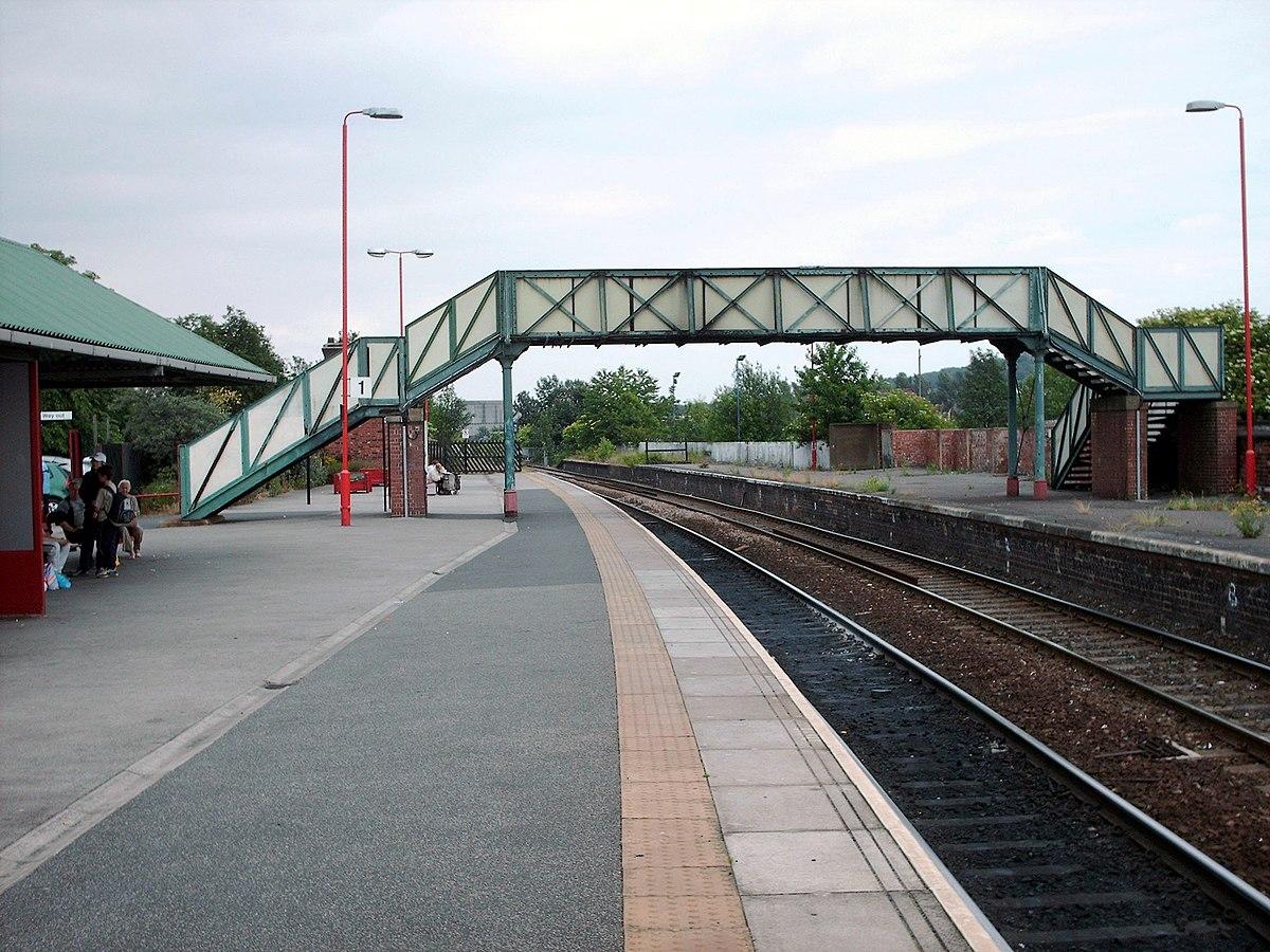 Castleford railway station - Wikipedia