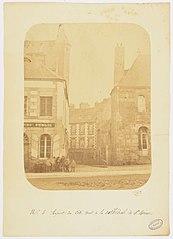 Photographie du côté droit de la cathédrale de Saint-Brieuc