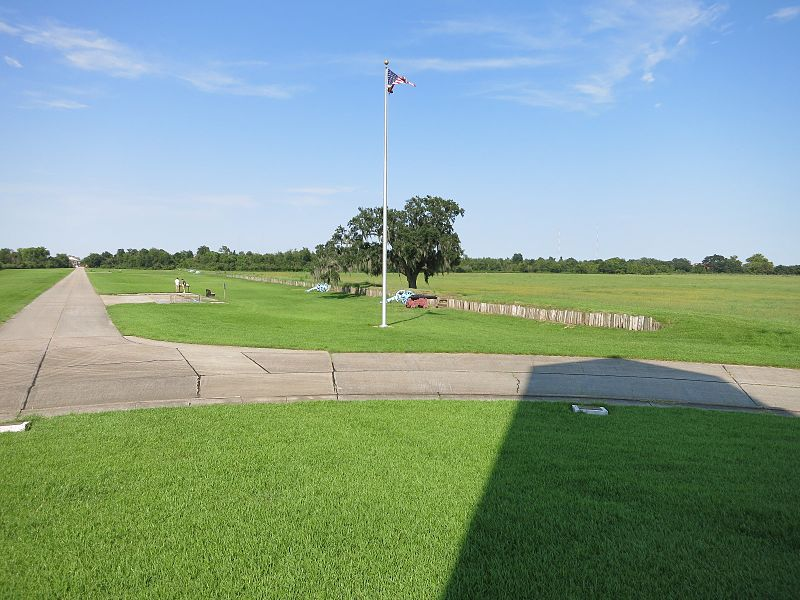 File:Chalmette Battlefield from Monument.JPG