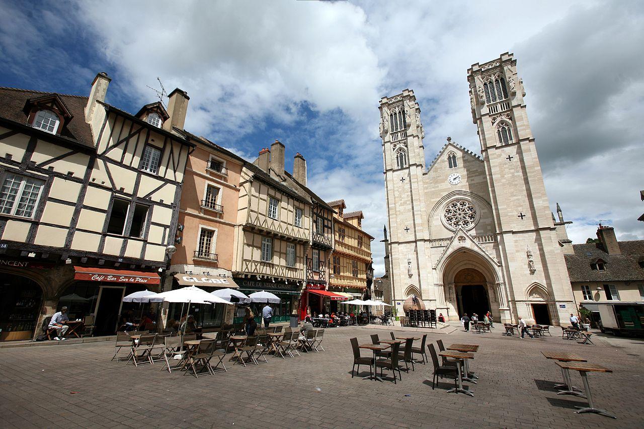 File Chalon-sur-sa U00f4ne--place-du-march U00e9 Jpg