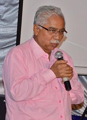 """Chandrashekhara Kambara - Kambara during a talk about """"Kannada in Technology"""" in Bangalore, 2013"""