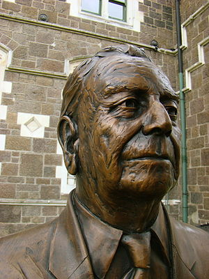 Charles Luney - Bronze bust of Charles Luney