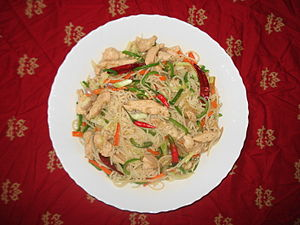 Nepalese cuisine - Nepalese-style hot chicken chow mein