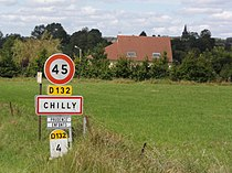 Chilly (Ardennes) city limit sign.JPG