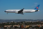 China Southern Airlines Boeing 777-300ER (B-2009) at LAX (22314628713).jpg