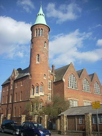 Christ's College, Finchley - The former Christ's College building on Hendon Lane