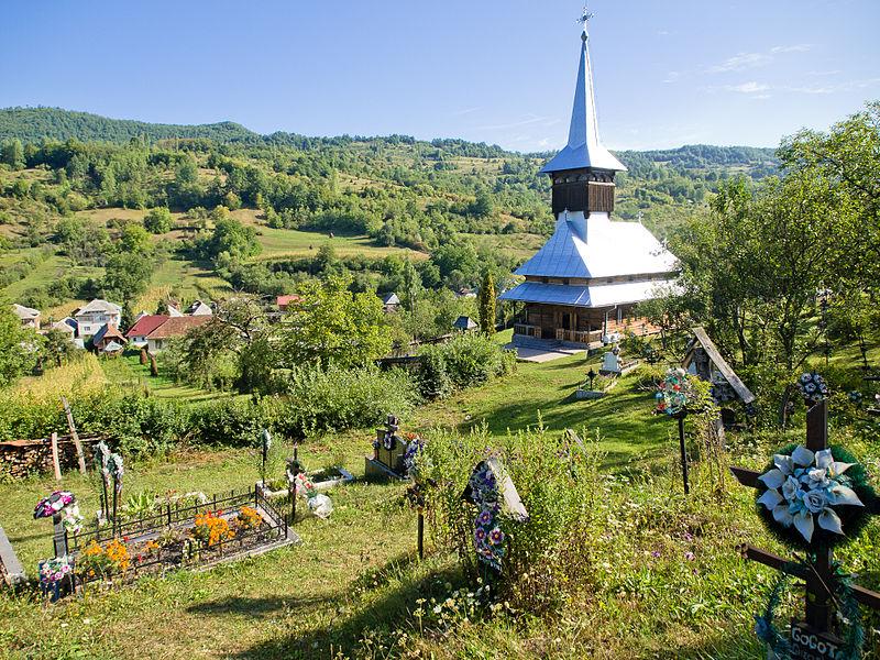 "Ficheiro: Igreja ""Cuvioasa Paraschiva"", Valea Stejarului Village, Maramures, Romania.jpg"