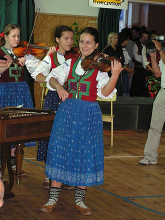 Moravian traditional music - Cimbalom band of the folklore ensemble Malá Rusava.