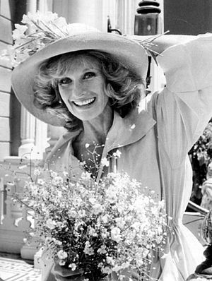 Publicity photo of Cloris Leachman from the te...