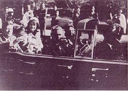 Instantes previos al asesinato de John F. Kennedy en 1963. La muerte de este Presidente conmocionó al país.