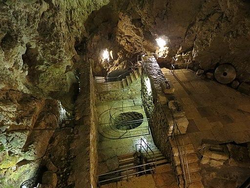 Höhlenmühlen von Le Locle; großer Maschinenraum. Col-des-Roches