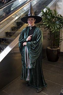 Cosplay Minerva McGonagall.jpg