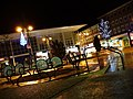 Crawley town centre at night - Queen's Square - panoramio.jpg