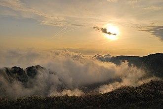 Creux du Van - Image: Creux du Van au lever du soleil