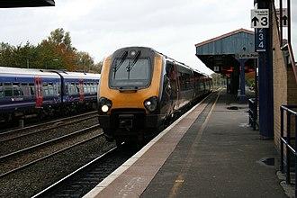 Oxford railway station - Image: Cross Country 220xxx, Oxford (15577760052)