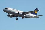 D-AILP A319 Lufthansa (14622833868).jpg