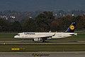 D-AIUN Airbus A320-214 A320-S - DLH (30700373082).jpg