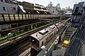 Daikan-yama Station Platform with 9000Series.jpg