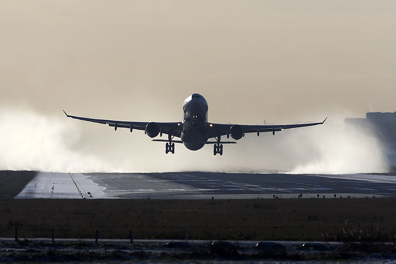 File:Delta A330 take off (8251201991).jpg