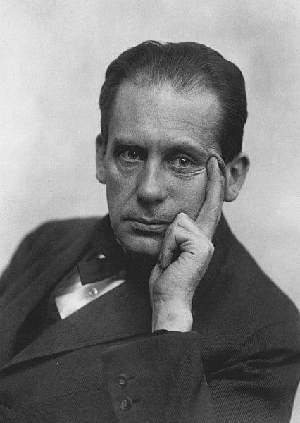 Der Architekt Walter Gropius, Begründer des Staatlichen Bauhauses Weimar, um 1919