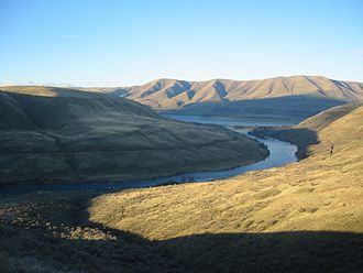 Deschutes River (Oregon) - The Deschutes in winter at its confluence with the Columbia