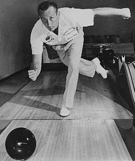 Don Carter (bowler)